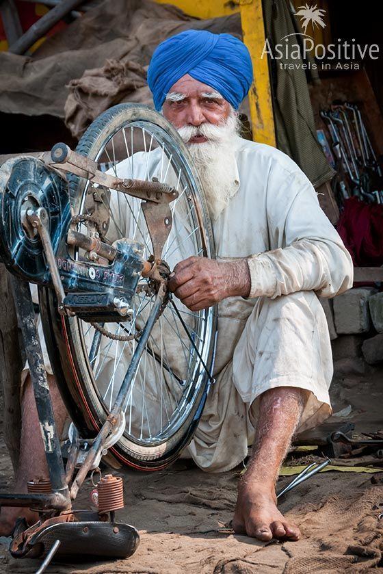 Сикх за работой (Амритсар, Индия) | Сикхизм | Путешествия AsiaPoitive.com