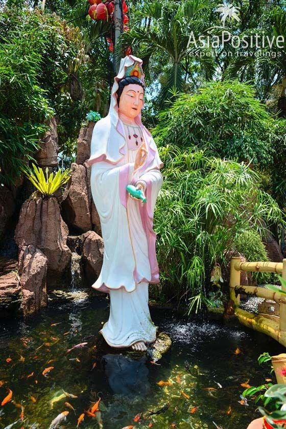 Cтатуя богини милосердия Гуаньинь | Храм Тянь Хоу (Thean Hou Temple)  | Достопримечательности Куала-Лумпура | Малайзия | Путешествия AsiaPositive.com