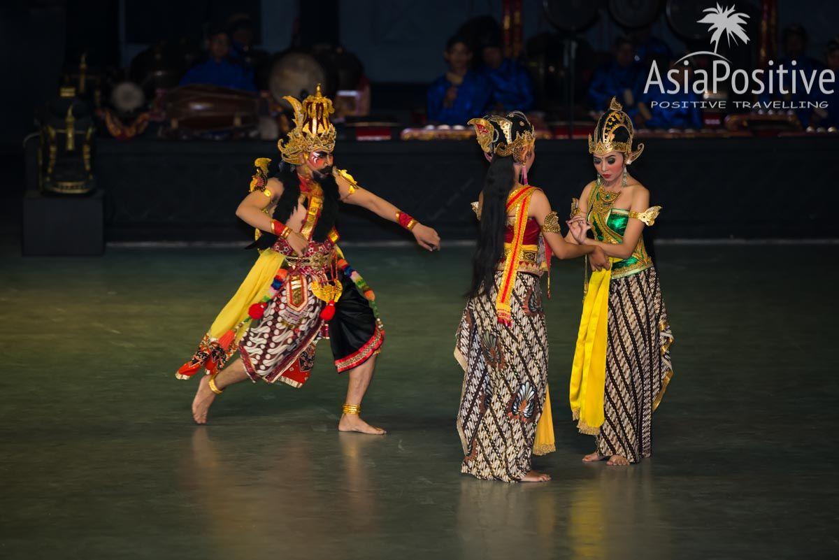 Равана пытается соблазнить Ситу | Рамаяна - самая популярная легенда Азии. | Позитивные путешествия AsiaPositive.com