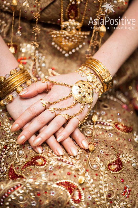 Невеста на Шри-Ланке вся усыпана драгоценностями | Яркая свадьба на Шри-Ланке | Путешествия по Азии AsiaPositive.com