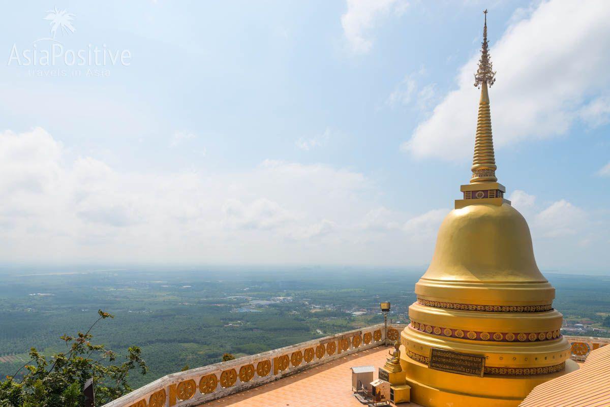 С вершины Храма Тигра открывается замечательный вид на окресnности | Краби, Таиланд | Путешествия с AsiaPositive.com