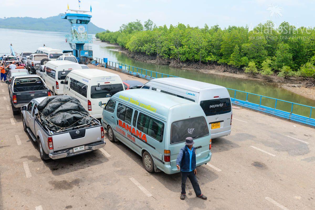 Микроавтобусы на пароме на острова Ко Ланта | Как добраться из Краби до Ко Ланта | Путешествия по Азии с AsiaPositive.com