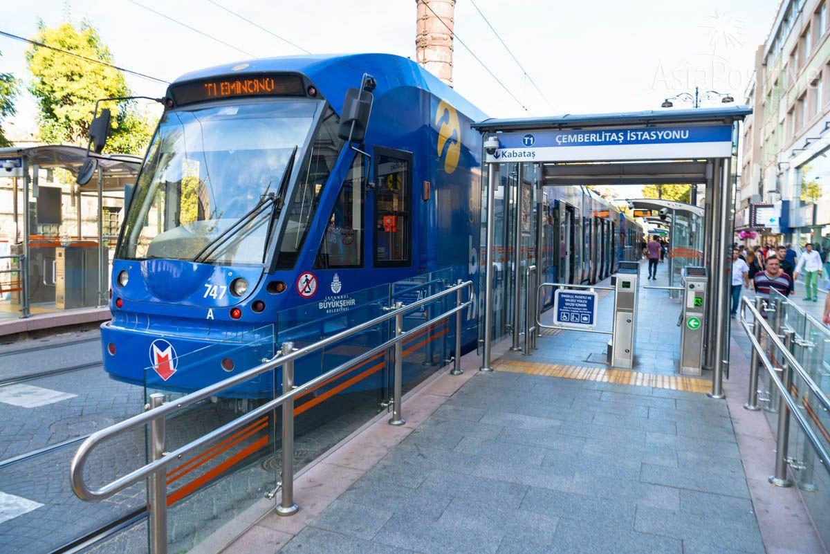 Турникеты для оплаты проезда на остановке трамвая | Как оплатить проезд в общественном транспорте Стамбула | Путешествия AsiaPositive.com