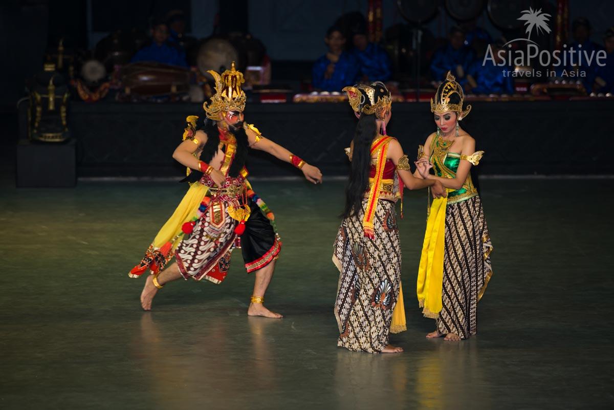Равана пытается соблазнить Ситу | Рамаяна - самая популярная легенда Азии | Путешествия AsiaPositive.com